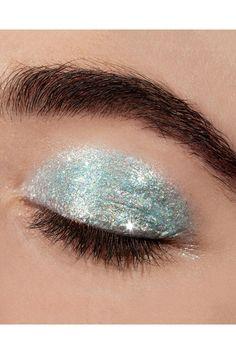 Liquid Glitter Eyeshadow, Sparkle Eyeshadow, Pigment Eyeshadow, Green Eyeshadow, Eyeshadow Looks, Eyeshadows, Sliver Makeup, Unicorn Lipstick, Gold Wedding Crowns
