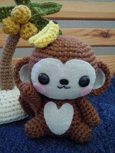 A super cute amigurumi monkey. I am definitely making one of these. ^_^