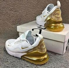 Cop oder Drop - Sneaker - - Damenschuhe - For Womens Dr Shoes, Nike Air Shoes, Hype Shoes, Me Too Shoes, Gold Nike Shoes, Nike Gold, Nike Shoes For Kids, Baby Shoes, Nike Socks