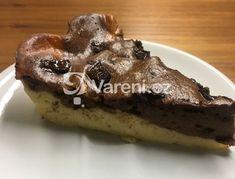 Tvarohový koláč bez mouky je velmi rychlý a jednoduchý na přípravu. Výsledkem je moučník, který si klidně můžeme dopřát k večernímu hříchu, je to totiž samá bílkovina. Vareni.cz - recepty, tipy a články o vaření.