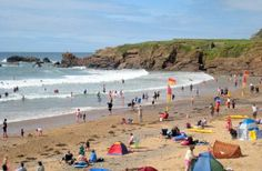 Crooklets - 20 mins. Another Bude beach, smaller than Summerleaze and cosier but just as busy.