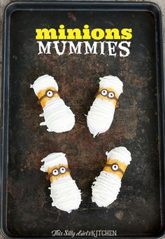 Minions Mummies, a super fun and easy Halloween treat featuring MINIONS! from ThisSillyGirlsLife.com #minions #despicableme #mummies #twinkies #halloween
