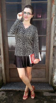 Estilo por menos: Look de Inverno | Saia de couro + blusa de onça