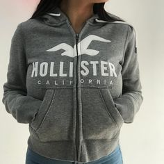 Hollister Clothes, Hollister Hoodie, Teenage Outfits, Teen Fashion Outfits, Chill Outfits, Cute Outfits, Trendy Hoodies, Aeropostale, Stylish Tops