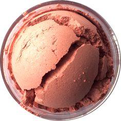 Shiro Cosmetics - 1-Up Blush : Shimmery gold-toned medium pink.