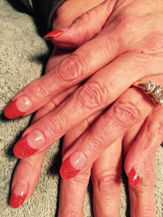 Nails by Mindy 816-914-8987 Historical square Liberty, MO Holiday Christmas red glitter