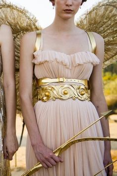 men invented art to become women - themakeupbrush: Dolce & Gabbana Alta Moda Fall. Look Fashion, Womens Fashion, Fashion Design, Moda Aesthetic, Greece Fashion, Fantasy Dress, Ancient Greece, Bling, Style Inspiration