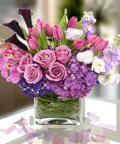 Valentine's Floral Arrangement Ideas | Posted on by Admin in Valentine's Day // 0 Comments
