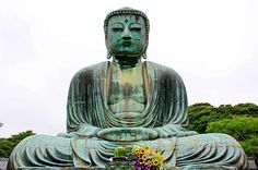 The Kotoku-in Temple, giant statue of Buddha. Japan's world famous icons. Buddhism For Beginners, Buddha Peace, Day Trips From Tokyo, Famous Monuments, Cathedral Church, Kamakura, Japan Travel, The Places Youll Go, Temple