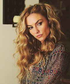 Drea DeMatteo  Her hair is goals.
