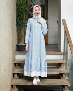 Abaya Fashion, Modest Fashion, Girl Fashion, Fashion Dresses, Hijab Elegante, Estilo Abaya, Moslem Fashion, Hijab Style Dress, Modele Hijab