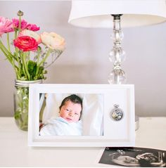 Perfect gift for a new mom. Origami Owl Photo Frame is here! Display a special Origami Owl Living Locket aside a custom photo chosen by you. Purchase and receive a free gift from kristy@foreversparkly.com