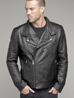 Want to see yourself cool as this man ? Try #leatherjackets with your outfits