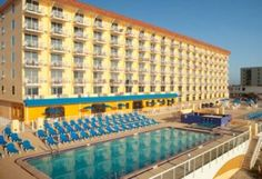 Bluegreen Vacations Casa del Mar, Ascend Resort Collection Ormond Beach (Florida) Overlooking the Atlantic Ocean on the shores of Ormond Beach, this hotel is less than a 10-minute drive from Daytona Beach. It features an outdoor pool and a beach volleyball court.
