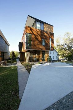 Galería de Compact Modern Duo / The Raleigh Architecture Co. - 7