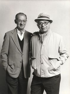 Billy Wilder and writing partner I.A.L. Diamond. Homenaje a los guionistas del mundo mundiá.