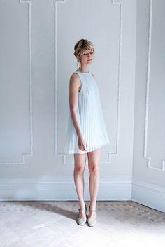 . Elegant Style Women, Classy Women, Elegant Woman, Luxury Fashion, Womens Fashion, Classy Outfits, Fashion Advice, Portrait Photography, White Dress