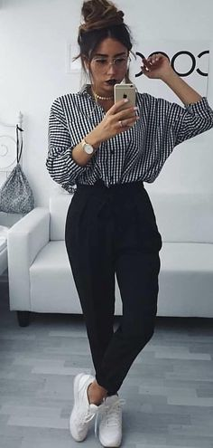 How to wear fall fashion outfits with casual style trends Uni Outfits, Mode Outfits, Trendy Outfits, Fall Outfits, Fashion Outfits, Spring School Outfits, Best Outfits, Spring Outfits Women Casual, Kimono Fashion