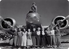 Amelia Earhart with her students, 1936