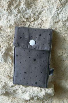 Housses portables (14) Pochette Portable, Creations, Wallet, Ipod, App, Ipods, Purses, Diy Wallet, Purse