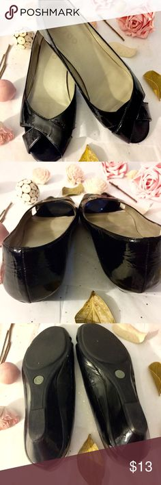 Me Too 🌷 Open Toed Patent Flats Comfortable Me Too 🌷 Open Toed Patent Flats, Size 7, Gently used. me too Shoes Flats & Loafers