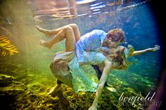 Underwater wedding portraits = stunning!