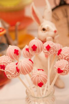 Alice in Wonderland cake pops #cakepops
