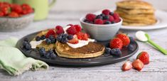 Bananpannekaker Norwegian Food, Norwegian Recipes, Good Healthy Recipes, Healthy Food, Muesli, I Love Food, Vegan Vegetarian, Cake Recipes, Pancakes