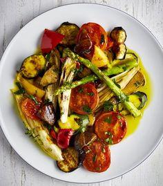 Šťavnatá grilovaná zelenina , Foto: Marek Bartoš / Grilování Vegetable Pizza, Zucchini, Fresh, Vegetables, Food, Vegetable Recipes, Eten, Veggie Food, Meals