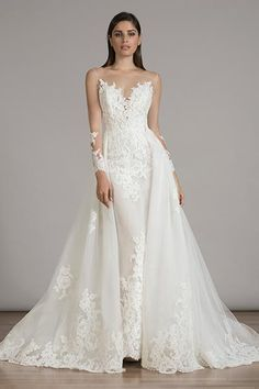 Wedding gown by Liancarlo.
