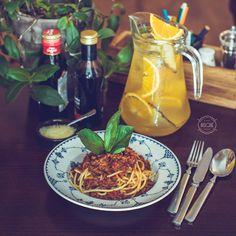 Spaghetti Bolognese. #bisquecafe #beatgroup #cupcakes #tasty #baku #azerbaijan #summer2015 #delicious #delightful #italianfood #spaghetti #pasta #bolognese #europeancuisine #mediterraneancuisine