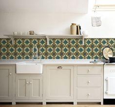 Durf jij het aan: deze zeldzame Majolica tegels als achterwand voor je keuken? Bijna niet van echt te onderscheiden en een stuk goedkoper! Price € 125,00