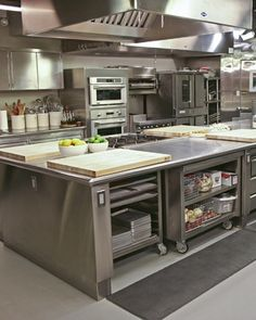 Modern Restaurant Kitchen Design Ideas 28 Time and again, I have heard it said that restaurant kitchen business is one of the most lucrative businesses you … Hotel Kitchen, Bakery Kitchen, Prep Kitchen, Kitchen On A Budget, Kitchen Mixer, Island Kitchen, Industrial Kitchen Design, Kitchen Design Open, New Kitchen Designs