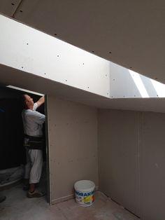 6. Juli 2015 - Unser Gipser-Team kleidet diese Woche die Wände im Dachgeschoss mit Gipsplatten ein.