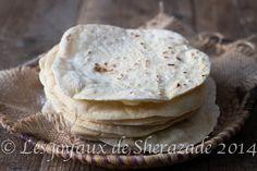 a yummi pita bread Pain Pita, Cooking Recipes, Healthy Recipes, Healthy Food, Pita Bread, Salad Sandwich, Pancakes, Sandwiches, Brunch