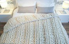 Double ribbing stitch blanket. 100% spanish merino wool.  www.knittingnoodles.es