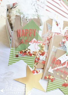 jamie pate: oh what fun tags ~ heidi swapp Christmas Gift Tags, Xmas, Diy Christmas, Christmas Paper Crafts, Heidi Swapp, Ideas Geniales, Shaker Cards, Nouvel An, Card Tags