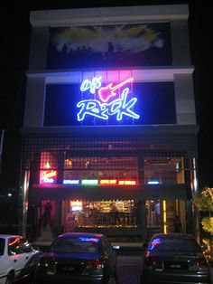 Cafe Rock, Lahore. (www.paktive.com/Cafe-Rock_23SB11.html)