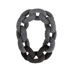 Chain Reaction - tricoté atkı kolye (gri-siyah)  Chain Reaction - tricoté chain scarf necklace (gray-black)