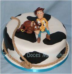BETYCAT - Cake Design: Toy Story - Torre de bolo e cupcakes