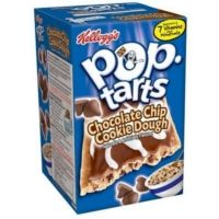 Chocolate Chip Cookie Dough Pop Tarts - Try them on My American Market  #poptarts #snack #breakfast #dessert #myamericanmarket #myam #gateau #biscuit #gouter #petitdejeuner #pepites #chocolat #pate #cookie #chocolatechip #cookiedough