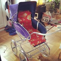 Vintage Pram, Baby Carriage, Prams, Old And New, Corduroy, Baby Dolls, Baby Strollers, Retro, Children