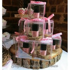 I love this ideas of giving nail polish as a baby shower party favor Baby Shower Party Favors, Baby Shower Fun, Baby Shower Gender Reveal, Girl Shower, Baby Shower Parties, Baby Shower Themes, Baby Shower Decorations, Baby Shower Gifts, Baby Gifts