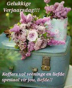 Bouquet uploaded by undoubtedl-y on We Heart It