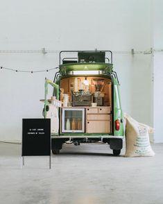 """librairie-café / Portraits de Villes"""" by Studio Be-Poles and Cafes Richard. The bookshop-cafe is currently touring France Café Mobile, Mobile Cafe, Mobile Shop, Kiosk Design, Design Shop, Cafe Design, Store Design, Truck Design, Design Art"""