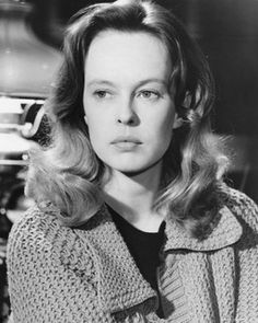 Sandy Dennis - (1937-1992) born Sandra Dale Dennis.  Academy Award winner (Supporting Actress 1966).  Cause of death: ovarian cancer at 54.