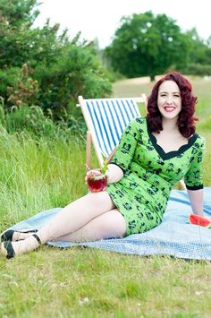 Vintage clothing dress: Voodoo Vixen ought to be the most delightful online vintage store for every other fashion conscious women in UK! Vintage Inspired Fashion, 1960s Fashion, Vintage Fashion, 50s Outfits, Vintage Outfits, Fashion Outfits, Vintage Clothing Uk, Voodoo Vixen, Fashion Brand