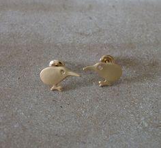 Kiwi Vogel Ohrstecker vergoldet Shops, Kiwi, Stud Earrings, Etsy, Jewelry, Birds, Stud Earring, Tents, Jewlery