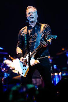 METALLICA 25 © stefano masselli James Hetfield, Metallica, Hall Pass, Pretty Men, Great Bands, Heavy Metal, Guys, Artists, Concerts
