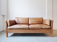 danish light tan leather sofa by mogens hansen large 2 seater